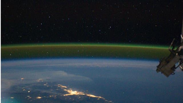 Airglow der Erde, aufgenommen von der Internationalen Raumstation ISS aus