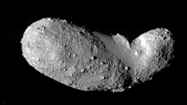 Der rund 500 Meter lange Asteroid Itokawa, von dem die japanische Hayabusa-Mission Staubproben zur Erde gebracht hat, ähnelt einem Geröllhaufen.