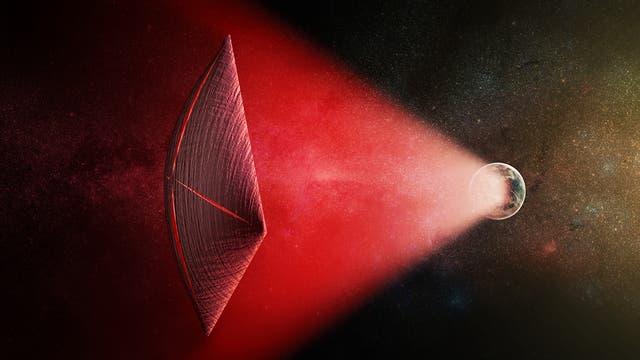 Ein roter Lichtstrahl reicht von einem erdähnlichen Planeten zu einem Lichtsegelschiff