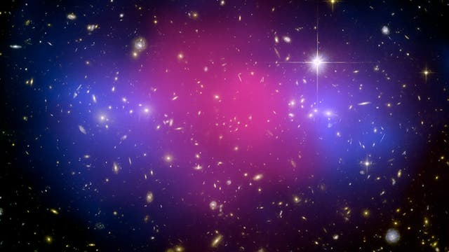 Galaxienkollision zeigt Dunkle Materie