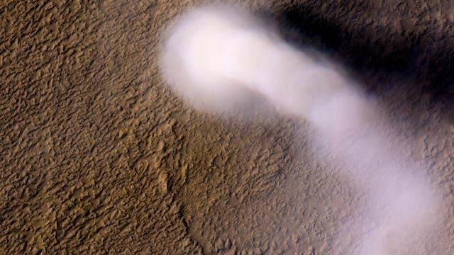 Riesiger Staubteufel auf dem Mars
