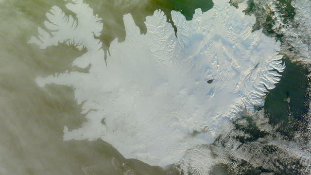 Schnee auf Island