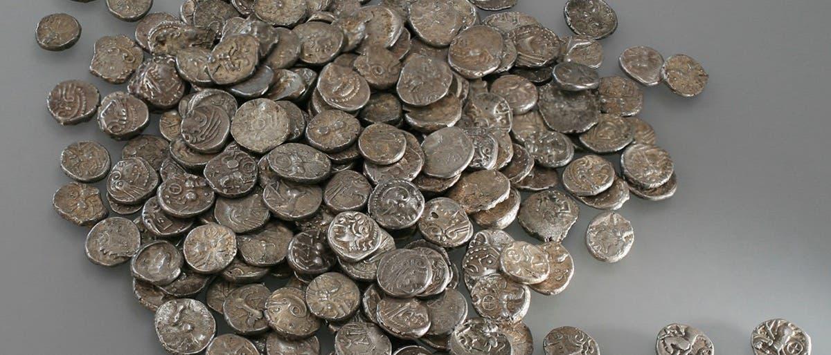 Ein Pfund keltischer Silbermünzen