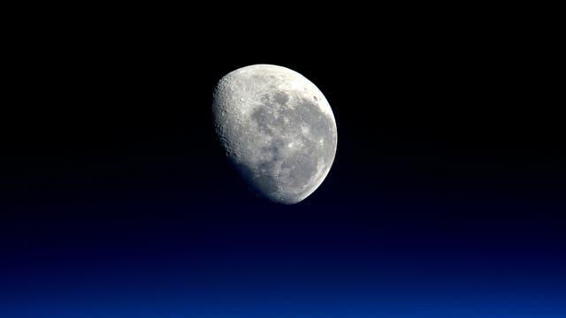 Bislang hat keine Raumsonde jemals direkt die Pole des Mondes und das dort gespeicherte Eis erforscht.