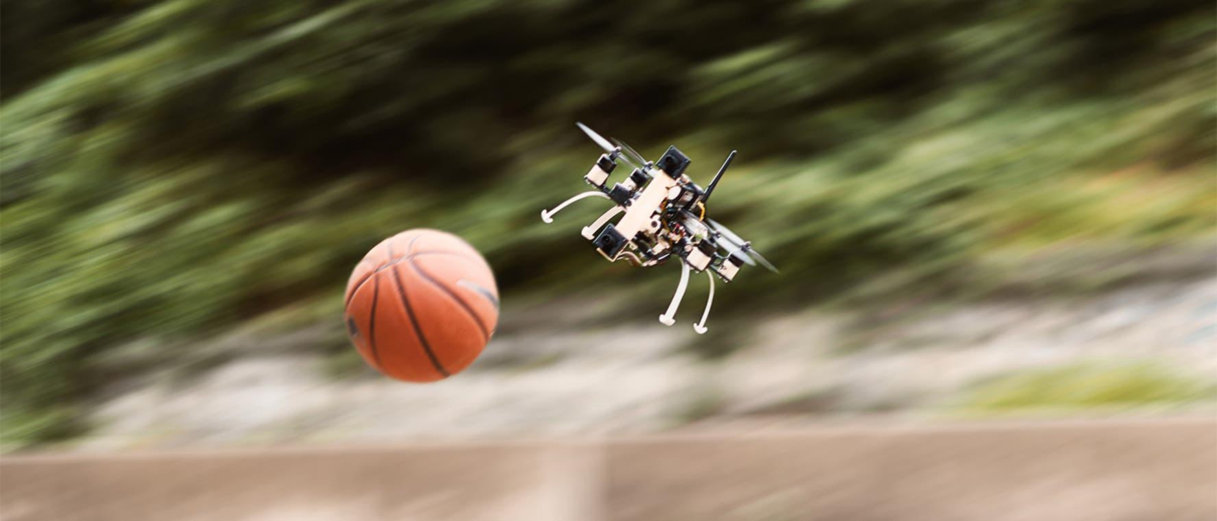 Drohne gewinnt beim Völkerball