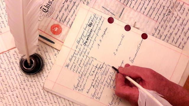 In Schönschrift auf fälschungssicherem Pergament
