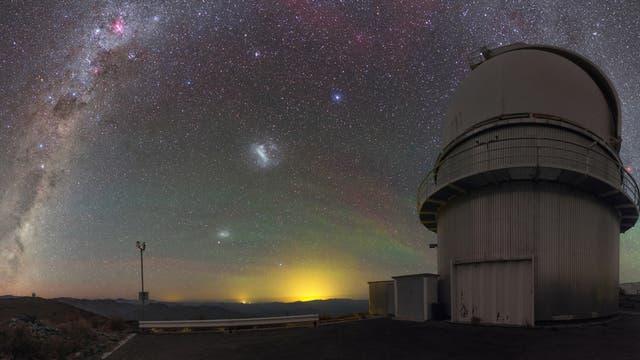 Blick in den Sternenhimmel über der Südsternwarte