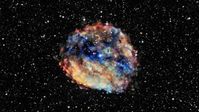 Schnelle Radioblitze könnten von jungen Magnetaren wie RCW 103 ausgesendet werden.