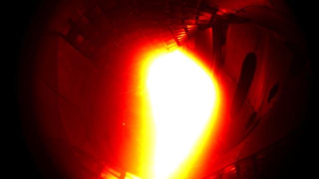 10. Dezember 2015: Das erste Plasma in Wendelstein 7-X