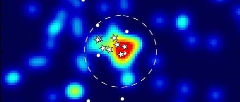 Acht Sterne der Zwerggalaxie Andromeda XII